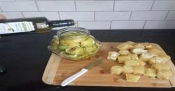 שמן זית כתית מעולה וקליפות לימון להקלת כאבי מפרקים
